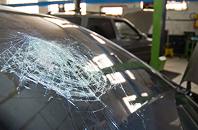Windshield Service | Lupo's Auto Glass n More | Carson City, NV | (775) 297-2400